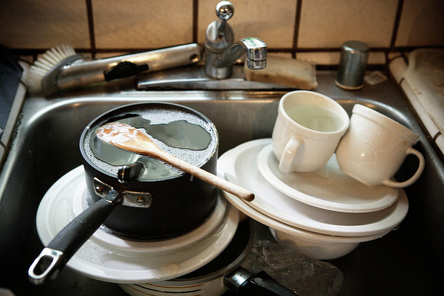 Woman Outraged Over Dirty Dishes